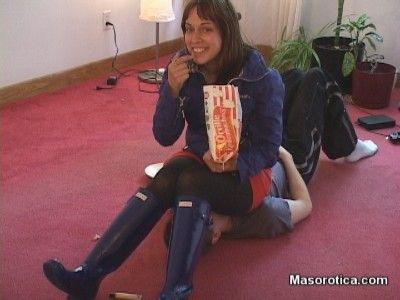 83883 - Popcorn Break