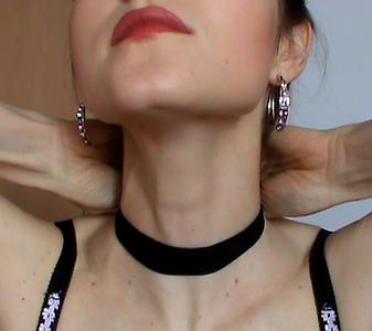 67377 - Black stocking on my neck