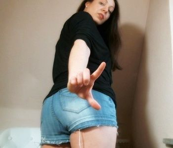 83495 - You 're good to absolutely nothing , loser!