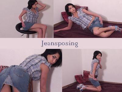 46249 - Sexy Posing