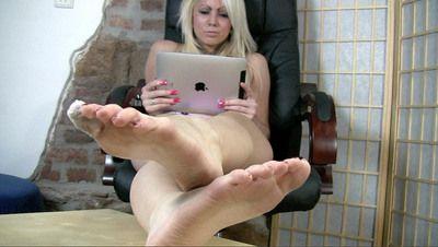35860 - Verenas Pretty Feet
