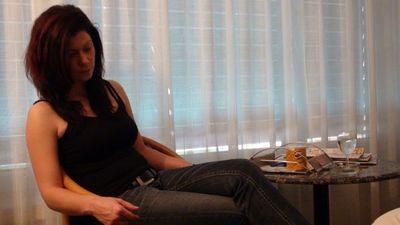 37122 - Elvira's shoeshine
