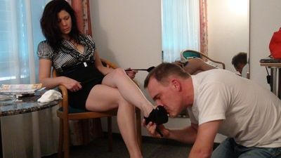37126 - Elvira and her slave labor