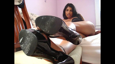 39330 - LICK MY HIGH HEELS CLEAN, LOSER !