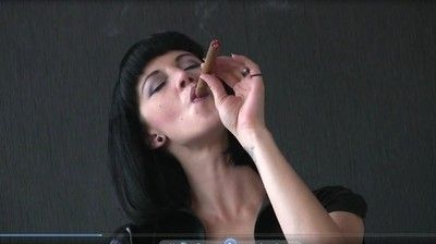 38878 - Mia's POV Smoking Line Part 1